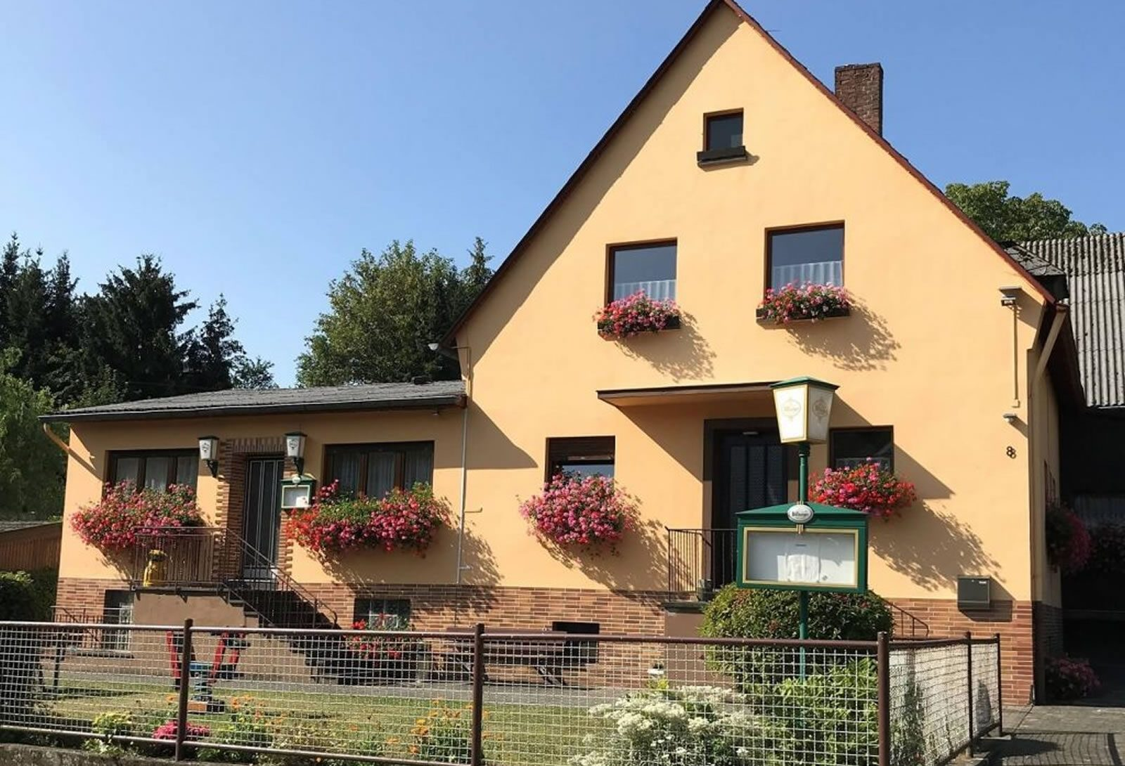 Gasthaus Pension Michels-Roden